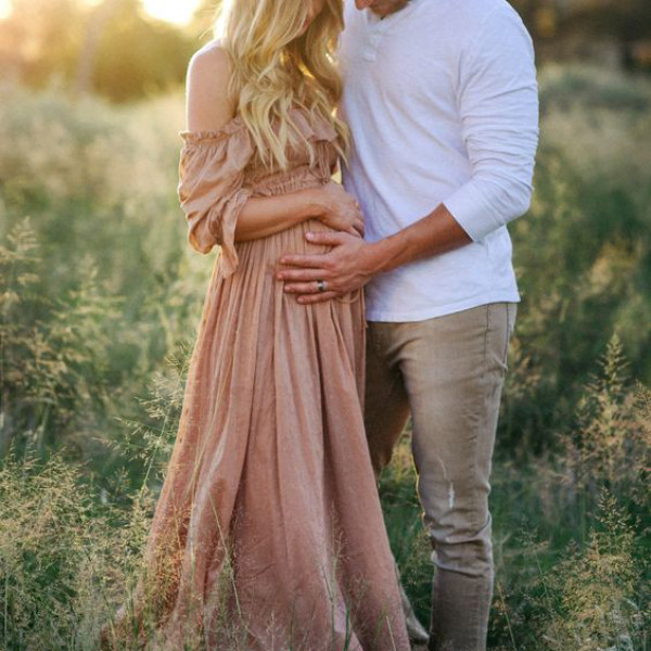 Maternity Photoshoot With The Husband, Couldn't be More Amazing?