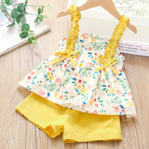 Floral Print Ruffled Suspender Top And Solid Color Shorts Set