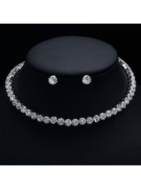 Elegant and simple sparkling diamond necklace earrings set bridal accessories
