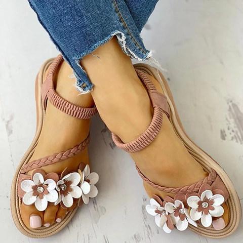 Beach shoes flat Roman shoes