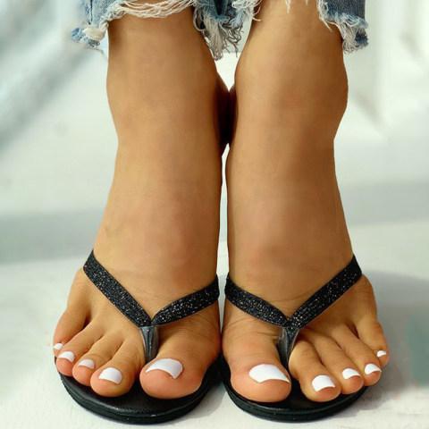 Cat heel flip flops