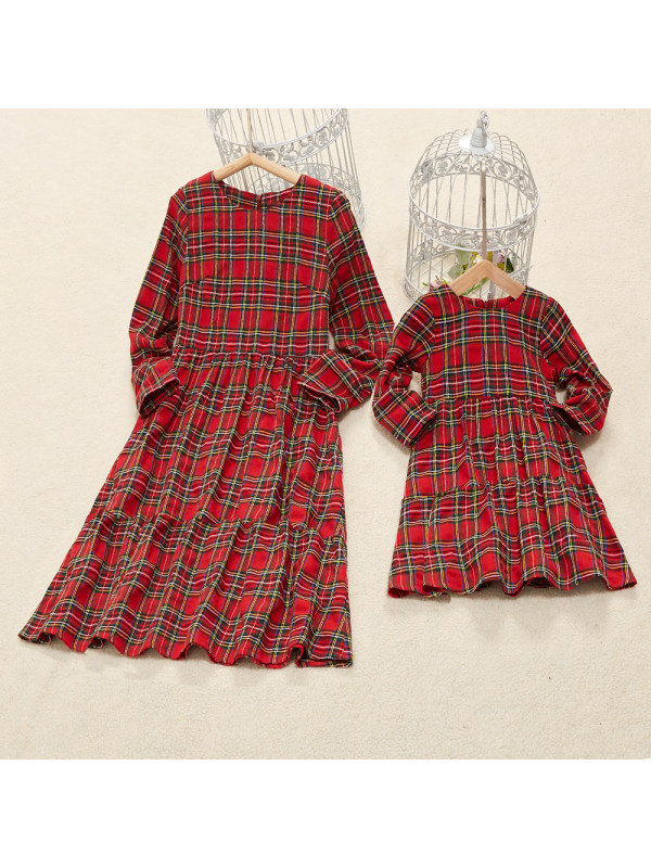 Round Neck Long Sleeve Red Plaid Mom Girl Matching Dress