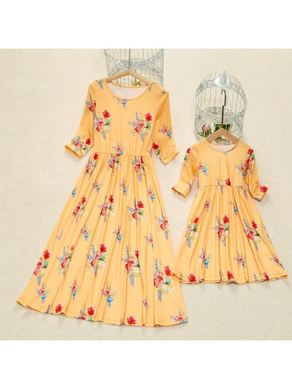 Round Neck Yellow Flower Print Mom Girl Matching Maxi Dress