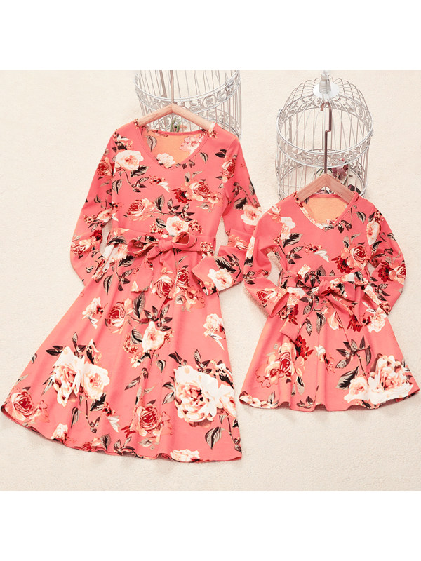 Round Neck Long Sleeve Pink Flower Printed Mom Girl Matching Dress With Belt