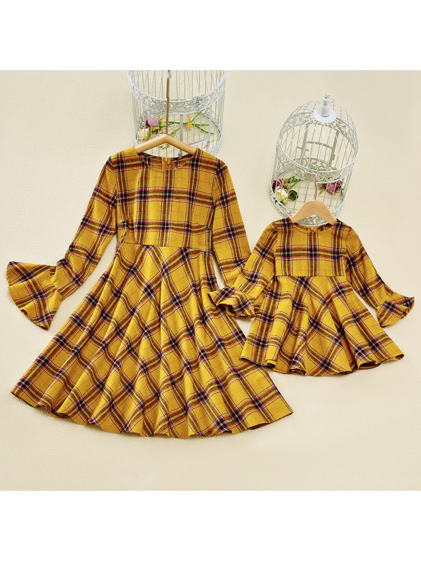 Casual Round Neck Long Sleeve Yellow Plaid Flared Sleeve Mom Girl Matching Dress
