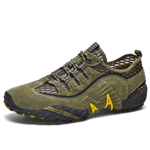 Outdoor breathable and comfortable hiking shoes