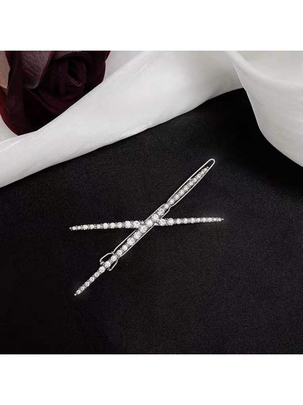 New sweet and simple full diamond cross hairpin side clip te
