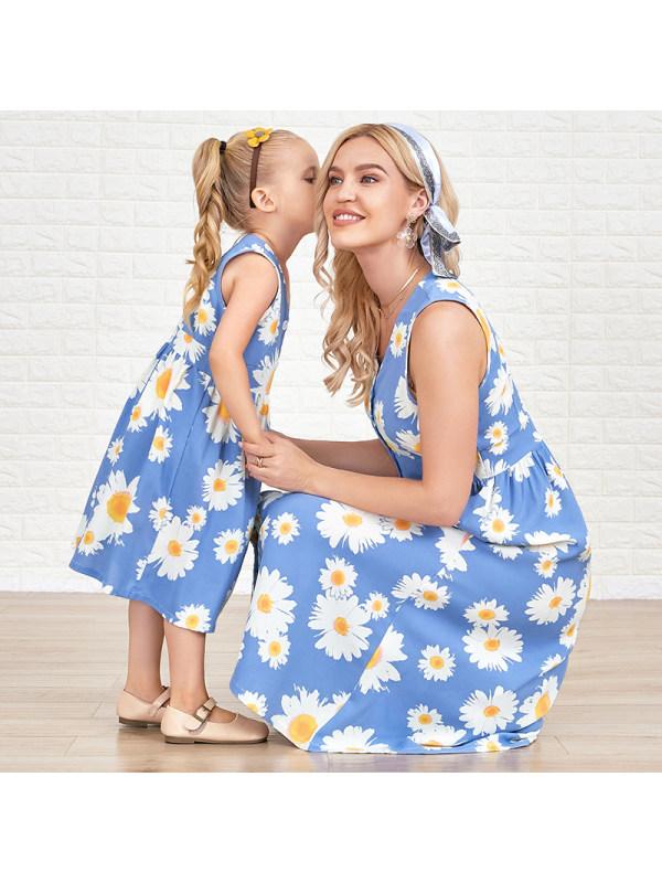 Round Neck Sleeveless Flower Print Blue Mom Girl Matching Dress