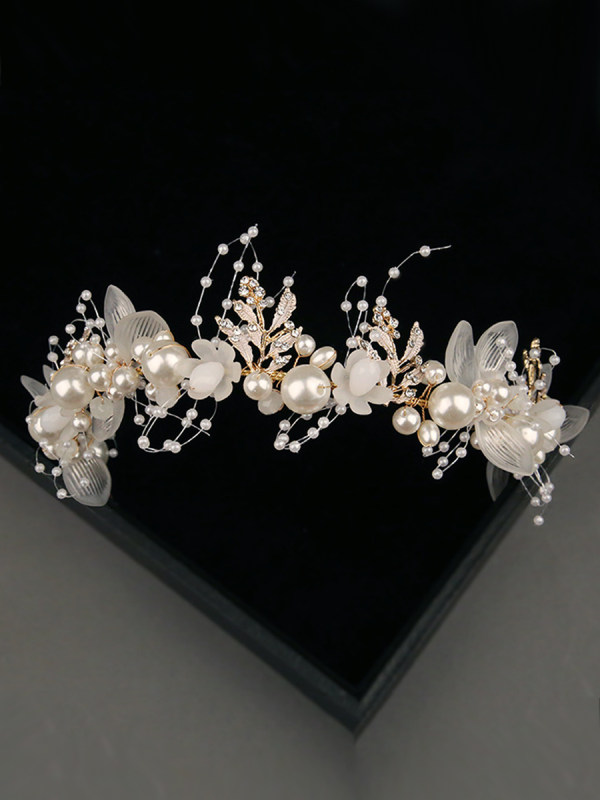 Elegant Pearl Bridal Headdress
