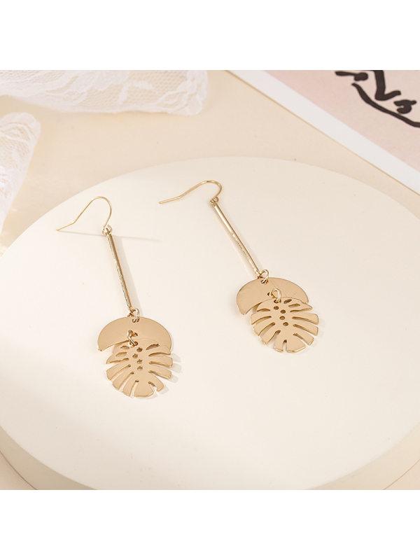Retro alloy long leaf earrings hollow metal leaf earrings ea