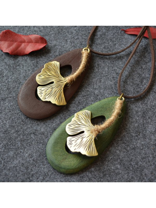 Wooden Dripping Big Maple Leaves Long Sweater Chain