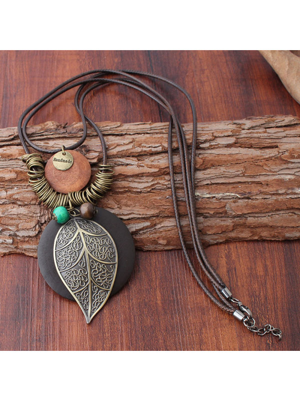 Classic alloy pattern leaf pendant jewelry